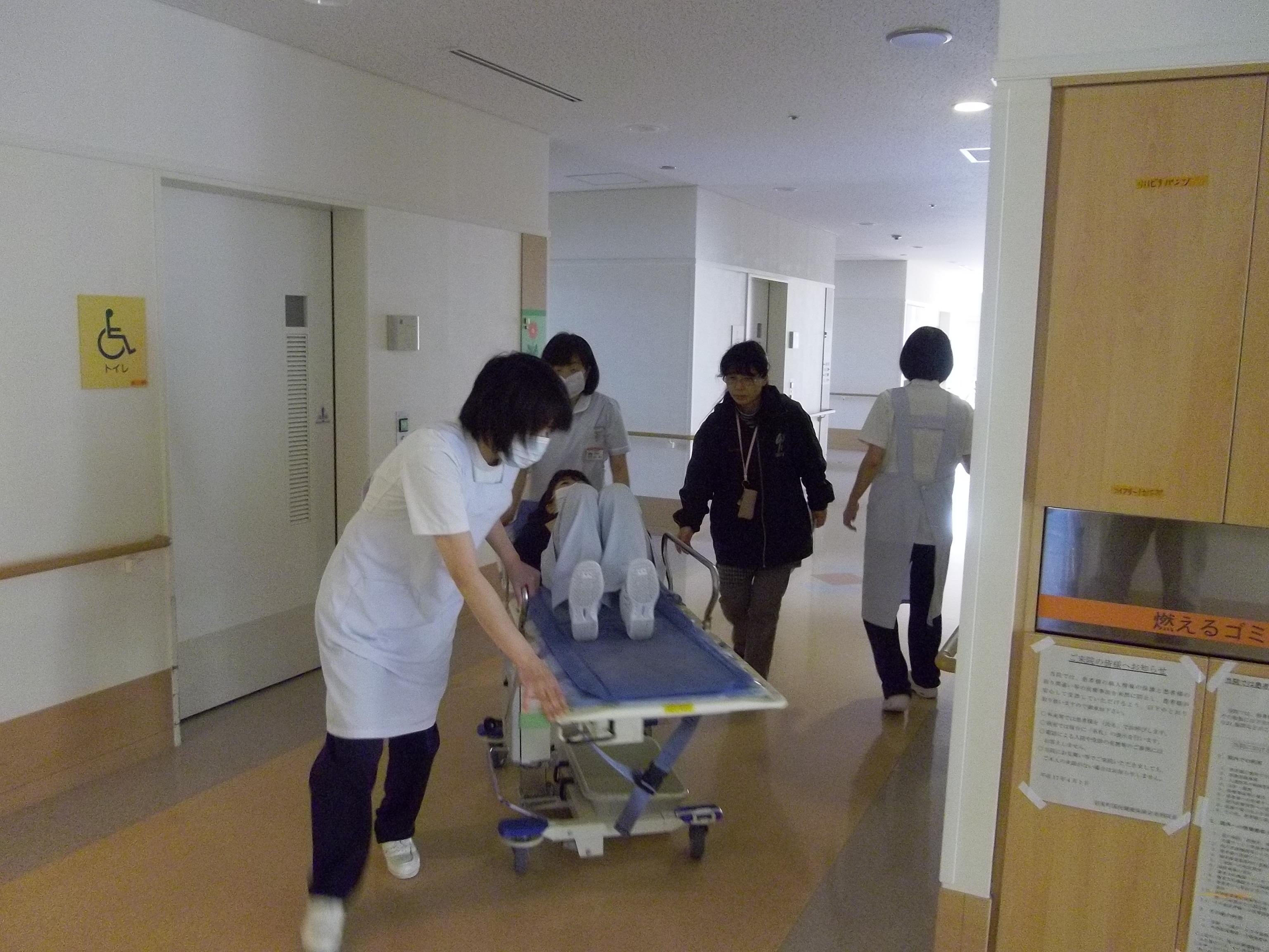 病棟避難訓練2